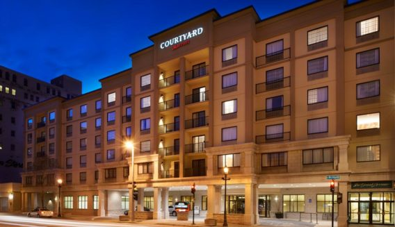 Courtyard Marriott Milwaukee Downtown